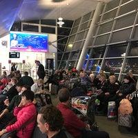 Photo taken at Gate 217 by Вадим (Даниэль)🔯😘🤔🚕🚄✈️🚀🚢📲💵 on 12/2/2016