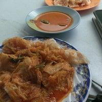 Photo taken at Restoran Nikmaat by Tom H. on 8/21/2014