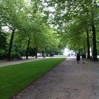 Photo taken at Warandepark / Parc de Bruxelles by Baba E. on 6/29/2013