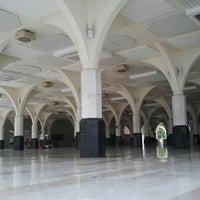 Photo taken at Masjid Asy-Syakirin by Ahmad M. on 6/14/2013