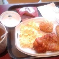 Photo taken at KFC by Khalid Khamis on 9/18/2013