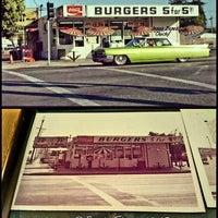 Photo taken at Burger Bar by Jesus D Z. on 4/29/2016