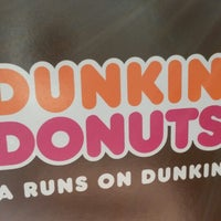 Photo taken at Dunkin' Donuts by Dianne 💞 on 11/23/2013