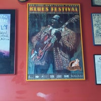 Photo taken at Red Hot & Blue  -  Barbecue, Burgers & Blues by Chris Z. on 12/19/2013