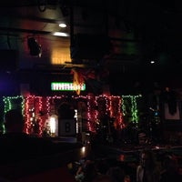 Photo taken at Snickerz comedy club by Joey F. on 10/17/2013