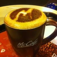 Photo taken at McDonald's / McCafé by mfxzxxyxhya on 4/24/2013