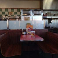Photo taken at Huddle House by Wesley W. on 10/11/2013