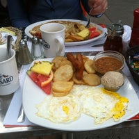 Photo taken at L'Oeufrier by Don M. on 8/27/2013