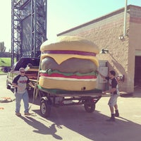 Photo taken at Sacramento Burger Battle 2015 by Burger J. on 9/19/2013