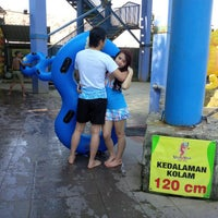 Photo taken at Water Park Top 100 by Mei X. on 8/22/2013