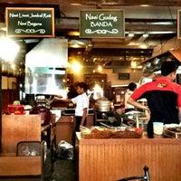Das Foto wurde bei The Kiosk Pasar Dago von indra h. am 9/29/2012 aufgenommen