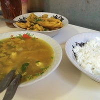 Photo taken at Soto Ayam Cak To by Andri R. on 6/26/2014