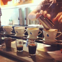 Photo taken at Blue Bottle Coffee by mi1ky L. on 8/23/2012