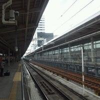 Photo taken at JR 新大阪駅 25-26番線ホーム by kenjin on 9/8/2012