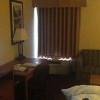 Photo taken at Hampton Inn Philadelphia/King of Prussia by Alex K. on 5/22/2012