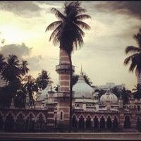 Photo taken at Masjid Jamek Kuala Lumpur by Milka V. on 6/17/2012