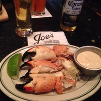 Photo taken at Joe's Stone Crab by Betty Jerez D. on 11/21/2014