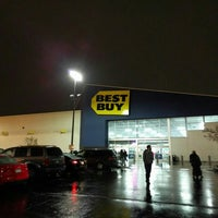 Photo taken at Best Buy by Tony G. on 12/21/2015