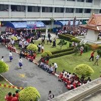 Photo taken at โรงเรียนศรีสวัสดิ์วิทยาคาร Srisawatwittayakarn School by mookhunx H. on 8/8/2014