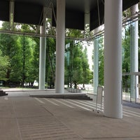 Photo taken at 慶應義塾大学 来往舎 by かもはし さ. on 9/6/2013