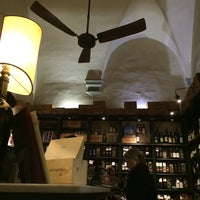 Photo taken at Pitti Gola E Cantina by May P. on 12/31/2014
