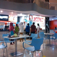 Photo taken at KFC by zhezhe 1. on 12/19/2013