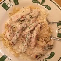 Photo taken at Olive Garden by ♉️CrAiG♉️ on 9/13/2014