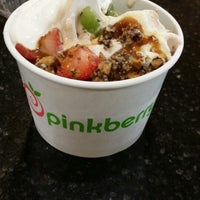 Photo taken at Pinkberry by Sapphire C. on 7/15/2014