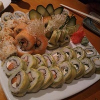 Photo taken at Sushi House by Nok Kine on 9/21/2016
