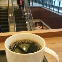 Photo taken at Starbucks Coffee 霞ダイニング店 by Takashi K. on 2/18/2015