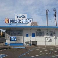 Photo taken at Scott's Burger Shack by Johan W. on 2/29/2016