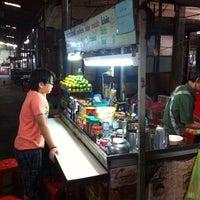 Photo taken at ตลาดอุดมสุขพัฒนา by Peachsshi L. on 1/19/2014