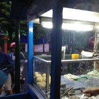 Photo taken at Pasar Lempuyangan by Ervan M. on 4/4/2013