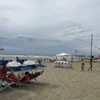 Photo taken at Lido Beach Spiaggia Libera Lido Di Camaiore by Aleksandr Y. on 8/15/2015