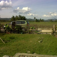 Photo taken at Padang Golf Yosonegoro by Aidin D. on 10/14/2013