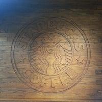 Photo taken at Starbucks by Hellen F. on 5/9/2013