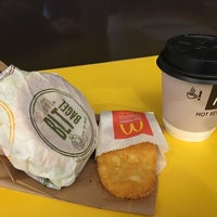 Photo taken at McDonald's by Kui ling L. on 5/6/2016