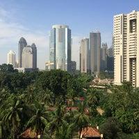 Photo taken at The Sultan Hotel & Residence Jakarta by Hüseyin Ozan K. on 7/26/2016