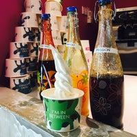 Photo taken at Fruuze Frozen Yogurt by Jo Ann on 8/2/2016