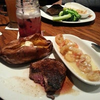 Photo taken at Outback Steakhouse by Kelly B. on 9/23/2015