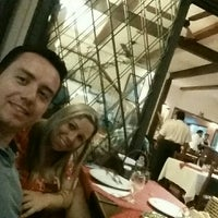 Photo taken at Pizzaria San Remo by Bruno H. on 5/13/2016