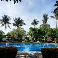 Photo taken at Sheraton Bandara Hotel by Gee D. on 5/29/2013