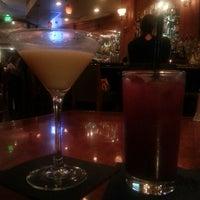 Photo taken at Johnnie's Restaurant by Robin W. on 11/3/2013