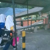 Photo taken at Sekolah Kebangsaan Puchong Jaya by Erwan M. on 3/6/2014