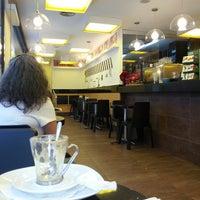 Photo taken at 365.cafè by Rafa on 7/12/2013