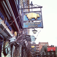 Photo taken at Le Cochon Dingue by Francis G. on 11/3/2012