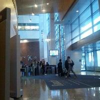 Das Foto wurde bei Baruch College - William and Anita Newman Vertical Campus von Aaron M. am 9/24/2012 aufgenommen