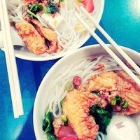 Photo taken at Taman Jurong Market & Food Centre by Kelton Tyrrell T. on 4/29/2016