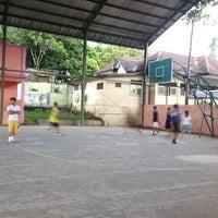 Photo taken at Lapangan Basket Pemda Banjarnegara by Quatro E. on 2/26/2013