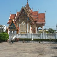 Photo taken at วัดช่องนนทรี by Nujeab M. on 1/5/2014